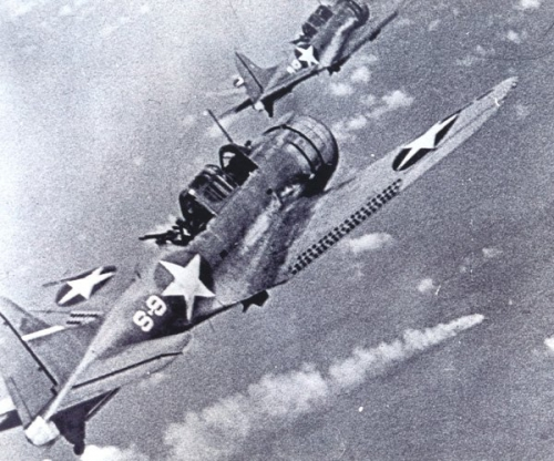 BattleOfMidway_planes_t700.jpg