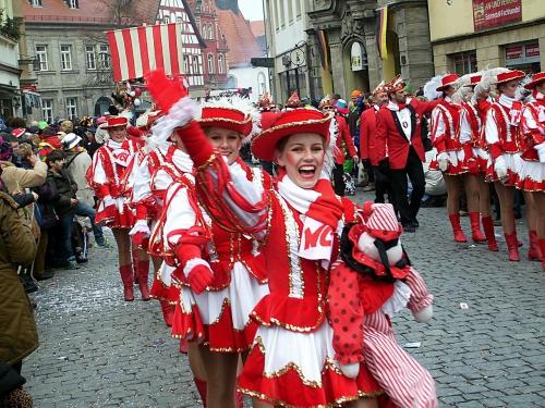 carnival-685201_1280.jpg