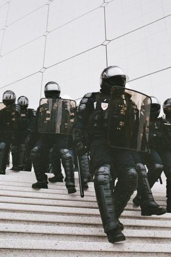 répression-police-partout-image-nulle-part-683x1024.jpg