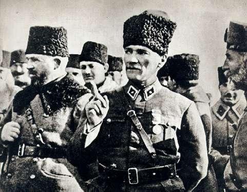 Nurettin_&_Mustafa_Kemal.jpg