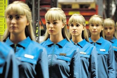 506578-real-humans-le-cyber-des-mondes.jpg