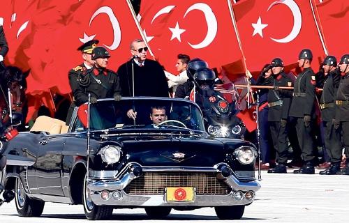 Recep-Tayyip-Erdogancadillac.jpg
