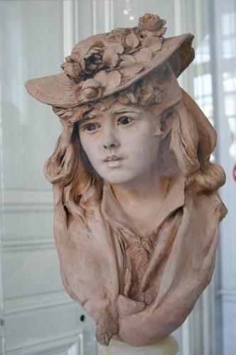 Rodin_-_Jeune_femme_du_chapeau_fleuri.JPG
