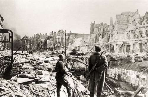 berlin-mai-1945f.jpg
