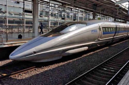 bullet_train_1280352f.jpg