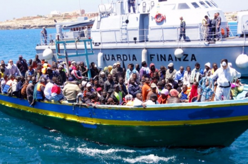 italy-immigrants-boat.jpg