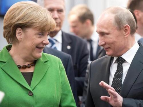 Streit-ueber-Razzien-Merkels-Kritik-prallt-an-Putin-ab_ArtikelQuer.jpg