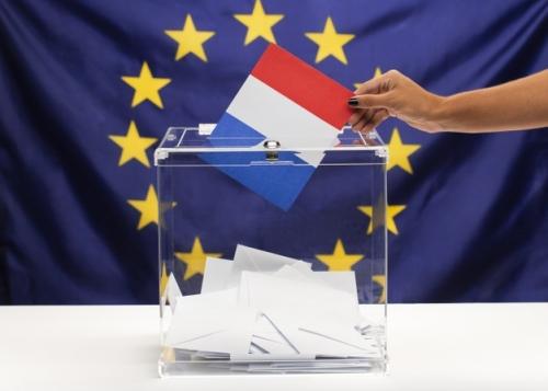 bulletin-vote-drapeau-france-fond-union-europeenne_23-2148333524.jpg