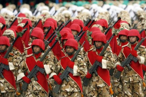 Iranian-Army-soldiers-march-during-a-military-parade-in-Tehran_16.jpg