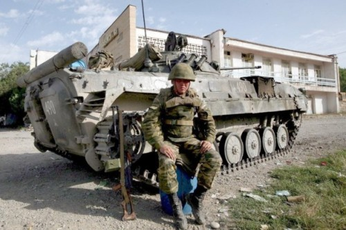 panzer-georgien-1-DW-Politik-Kaspi.jpg