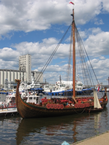 Drakkar_Viking.jpg