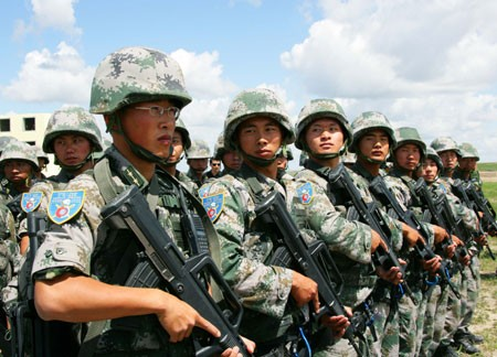 pla-sof-at-sino-russian-peace-2009-exercise.jpg