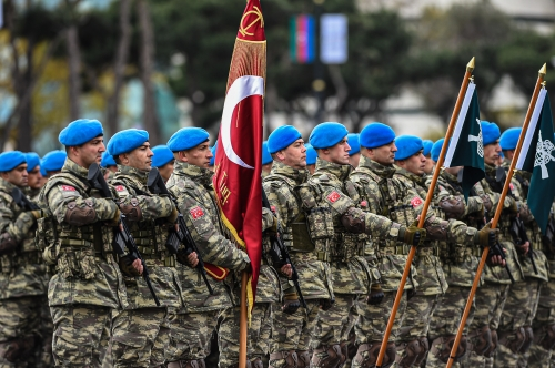 Servicemen_of_the_Turkish_Special_Forces_Command,_led_by_the_Captain_Harun_Ergin_3.jpg
