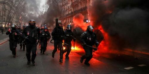 Acte-8-des-gilets-jaunes-35-gardes-a-vue-a-Paris.jpg