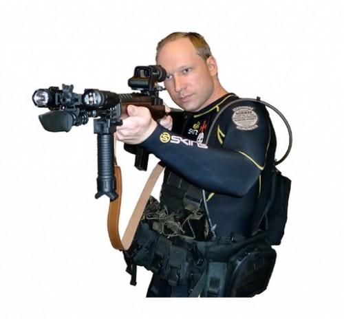 anders-breivik-com1.jpg