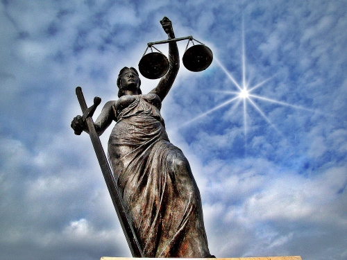 justitia-8a71.jpg