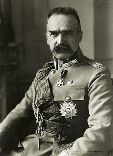 Józef_Piłsudski_(-1930).jpg