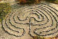 Trojaburg_(Scandinavian_stone_labyrinth).jpg