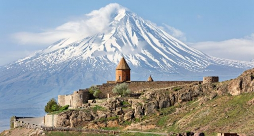 armenie-monastere-de-khor-virap-et-mont-ararat-dr-shutterstock_0000016157ixj1vt76ch_m.jpg