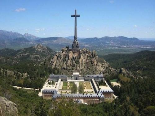 4151-abadia-benedictina-de-la-santa-cruz-del-valle-de-los-caidos-madrid.jpg