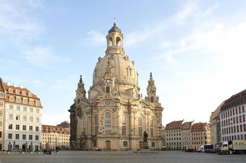 frauenkirche-2354211_960_720.jpg