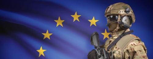 Soldat-devant-drapeau-européen.jpg