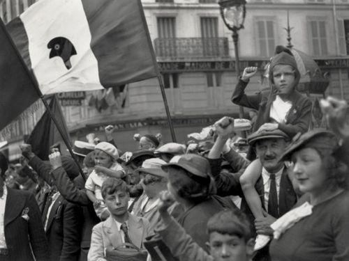 front-populaire-14-juillet-1936-willy-ronis.jpg