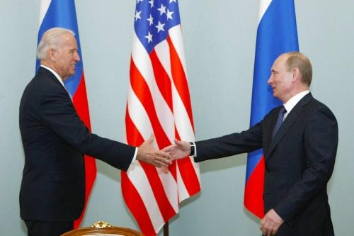 Joe-Biden-et-Vladimir-Poutine-se-verront-pour-un-sommet-a-Geneve-en-juin.jpg