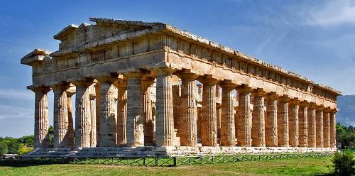Tempel-Hera-II-voor.jpg