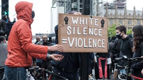 white-silence-manifestation-george-floyd_6266866.jpg