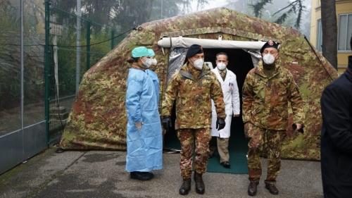 Tende-esercito-vaccinazione-1024x576.jpg