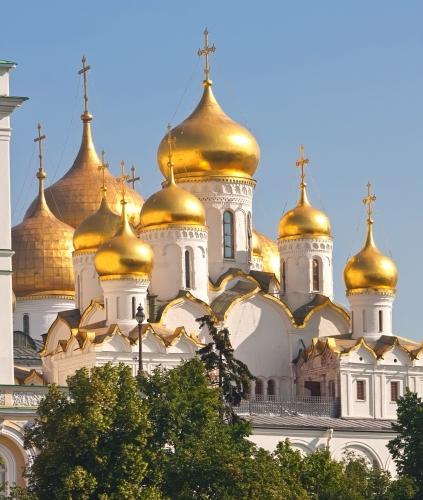 dreamstime-c2a9-moscou-kremlin-cathc3a9drale-3-e1520847980217.jpg