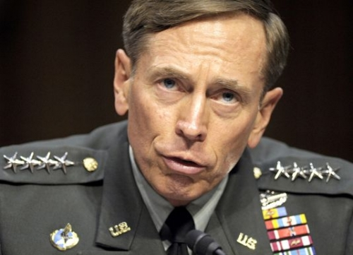 david-petraeus-en-juin-2011-a-washington_dbaed250db2ba3a3f9350c564c3ed69f.jpg