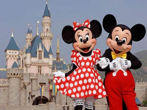 mickey_minnie_disneyland_small.jpg