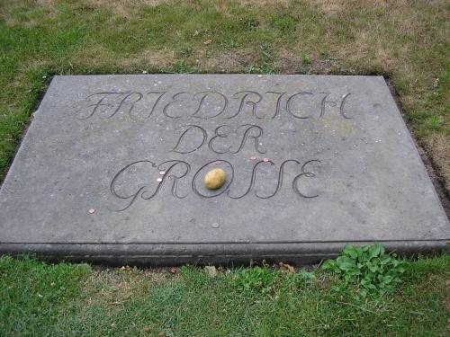 Friedrich-II-preussen-grabplatte.jpg