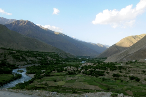 Panjshir_River_Valley_in_May_2011.jpg