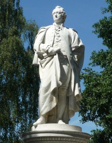 Schaper_Goethe_1880,_Statue.jpg