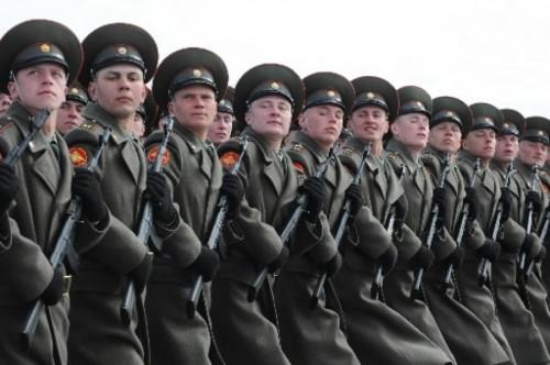 262384-soldats-russes-lors-parade-pour.jpg