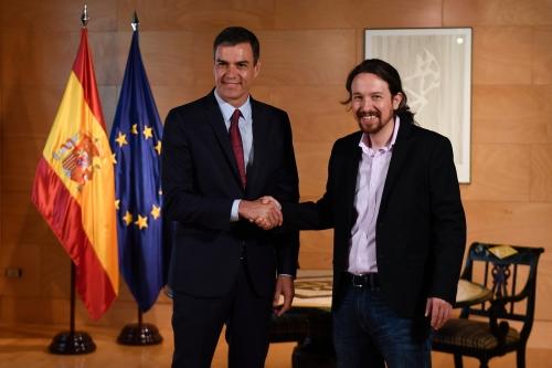 premier-ministre-espagnol-Pedro-Sanchez-gauche-parti-Podemos-Pablo-Iglesias-Madrid-9-juillet-2019_0_1400_933.jpg