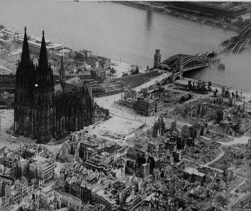 wwii-bombing-cc-gordonr.jpg