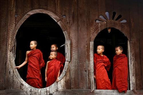 monksburma.jpg