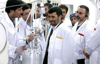 Ahmadinejad-Nucleaire-Iran-Natanz_pics_390.jpg