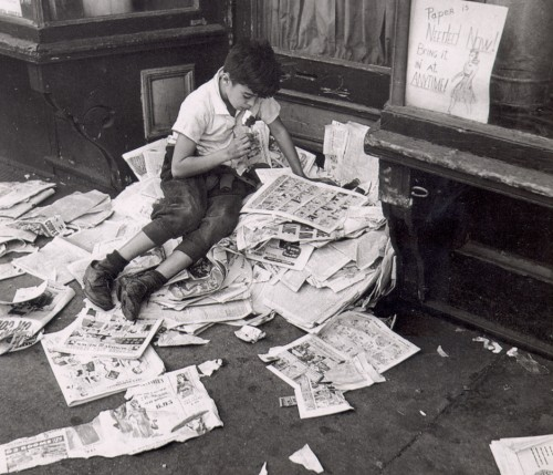 Kertesz-Newspapers.jpg