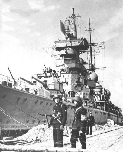 Kriegsmarine-Cruiser-KMS-Prinz-Eugen-14.jpg