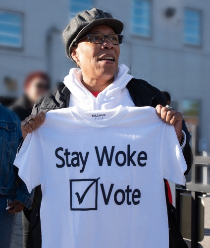 Marcia_Fudge_with_Stay_Woke_Vote_t-shirt_in_2018.jpg