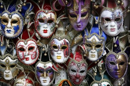 1843223-beautiful-masques-de-carnaval-venise-italie-affiché-sur-fond-noir-.jpg