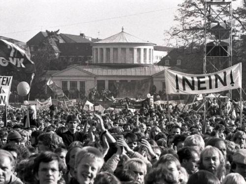 Friedensdemo am 22. Oktober 1983.jpg
