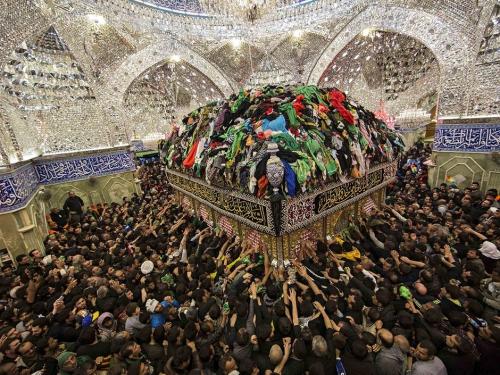 Shia-Muslim-pilgrims-reac-010.jpg