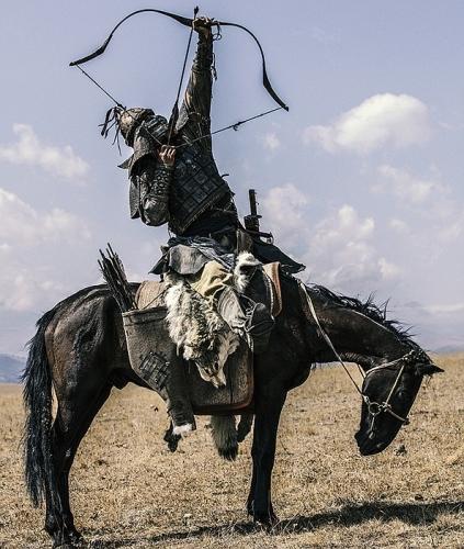 NOVA_FHW_Mongol_Warrior_w_whistling_arrow_1_tx700.jpg