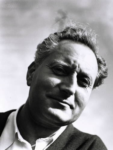 Jean-Giono-par-Denise-Bellon,-Manosque-1941.jpg